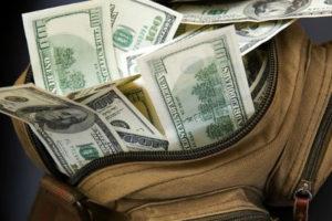 В прошлом году за январь-август из страны была вывезена рекордная сумма в 940 млн долларов