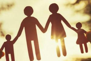 В столетие декрета «О гражданском браке» озаботились семейными ценностями