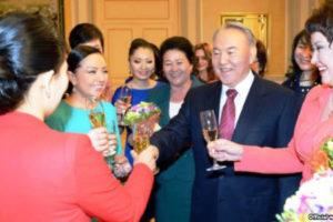 «Процесс феминизации казахстанского госаппарата»