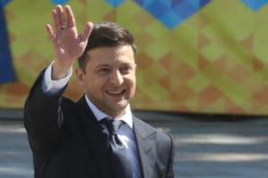 Новый президент Украины распускает парламент и назначает досрочные выборы