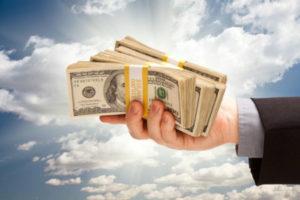 Сколько и как можно перевезти наличных средств за рубеж
