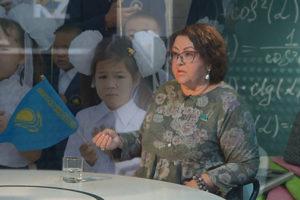 МОНстр  бессмысленно, но упорно вредит  истории  Казахстана