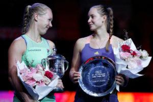 «Бронза» казахстанца на этапе Кубка мира по шорт-треку, наша теннисистка впервые в «топ-20» рейтинга WTA, скандал в отечественном биатлоне и неуместные восторги по поводу Ильи Ильина